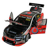 1:18 2010 Craig Lowndes Ve Commodore 888 Triple Eight 18424 Classic Carlectables